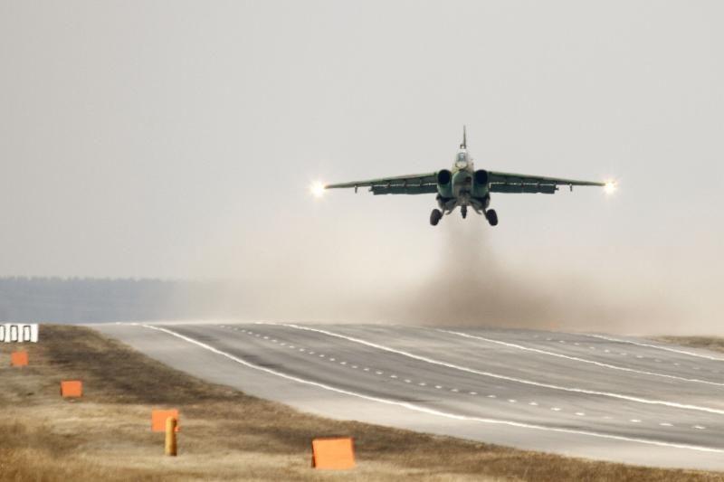 Baltarusijoje sudužus kariniam šturmo lėktuvui Su-25, žuvo lakūnas