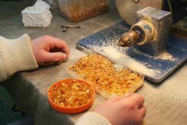 Panevėžio pataisos namų kalinės gamina papuošalus