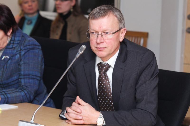 K.Masiulį komisijoje dėl N.Venckienės imuniteto pakeis M.Adomėnas