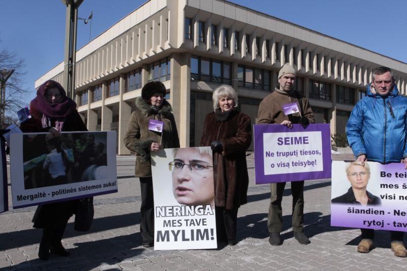 Nors N. Venckienė dingo, šeši jos padėjėjai toliau gauna algas