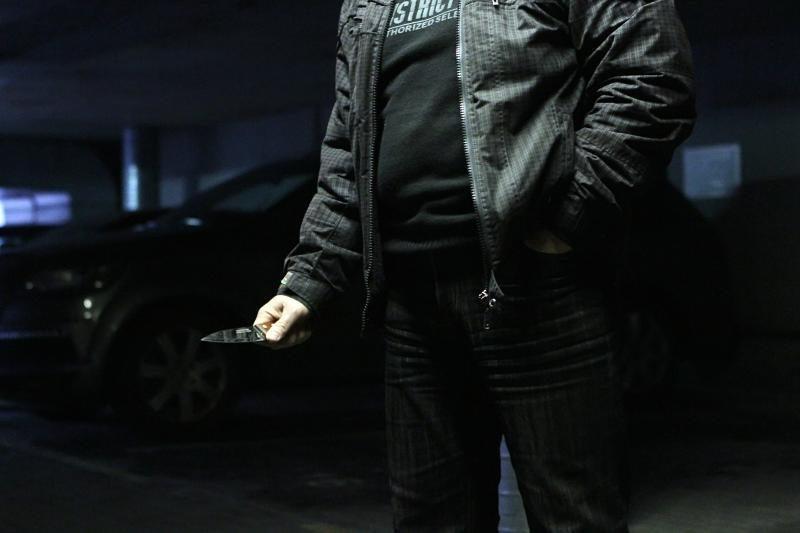 Vilniuje užpuolikas peiliu dūrė 17-metei į pilvą