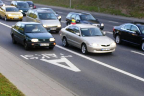 KET užsienyje nesilaikantiems vairuotojams - griežtos ES priemonės