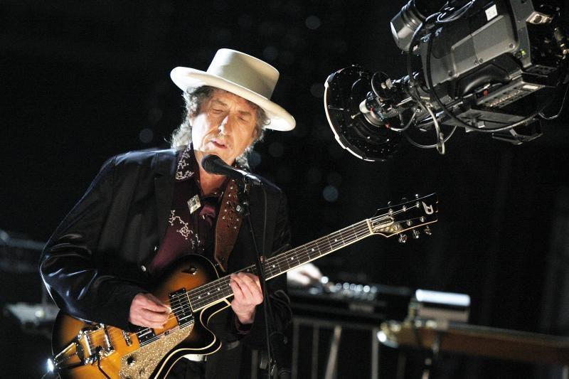 JAV žurnalistas išleido knygą su išgalvotomis Bobo Dylano citatomis