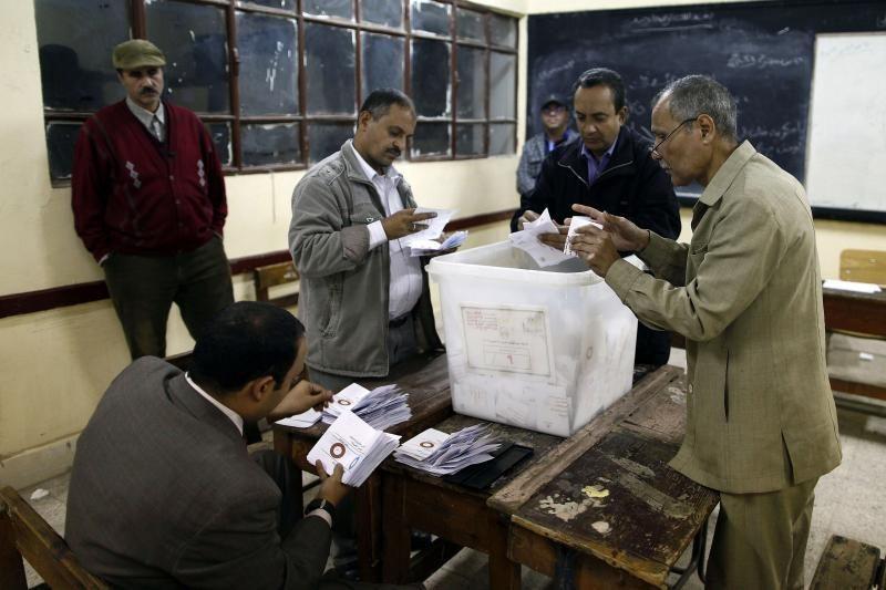 Egipte prasideda paskutinis balsavimo dėl konstitucijos etapas