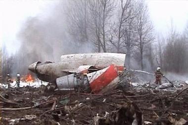 Lenkijos prezidento lėktuvo katastrofos metu lakūnų kabinoje trečio asmens nebuvo