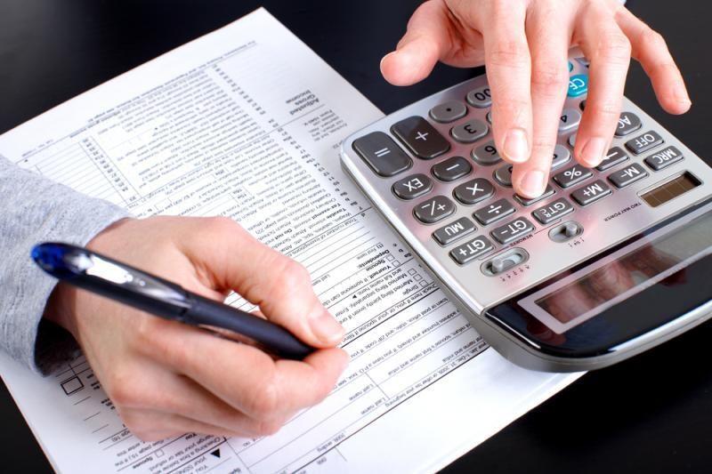 Moteris gavo 12 kvadrilijonų eurų sąskaitą už pokalbius telefonu
