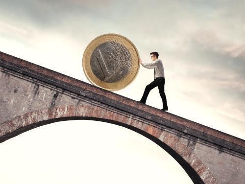 Europos komisija stebės euro zonos narių biudžetus