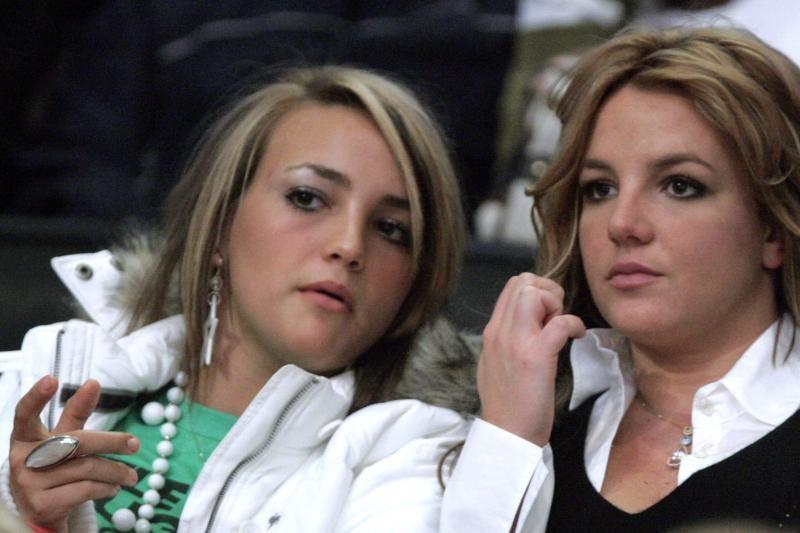 B. Spears sesuo J. L. Spears       susižadėjo