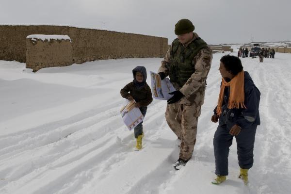 Afganistane tarnaujančius karius žiema pasitiko anksčiau nei Lietuvoje