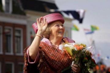 Nyderlandų karalienė palaimino antiislamiškų pažiūrų vyriausybę