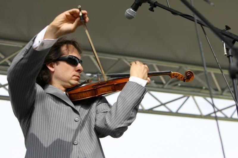 Draugystės parkas vėl atgijo nuo V.Čepinskio smuiko