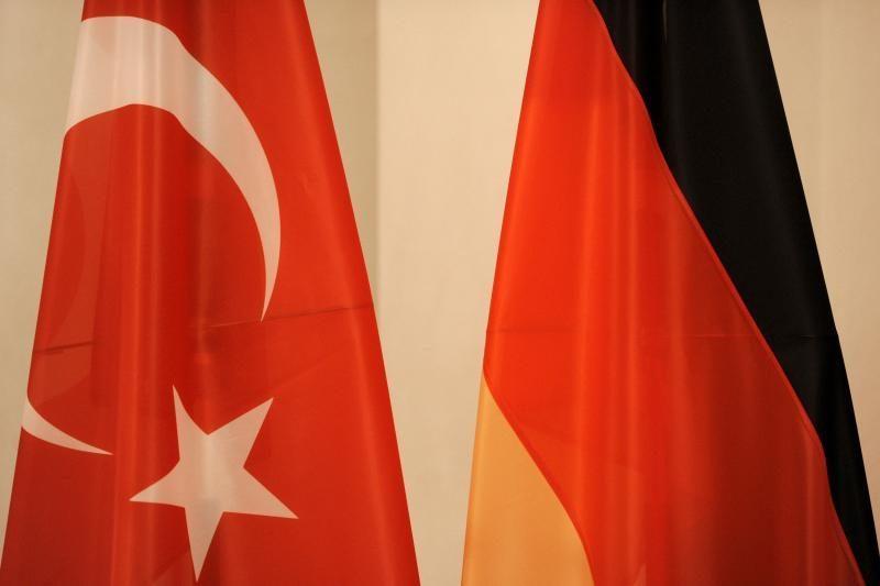 Turkija evakuos diplomatinių darbuotojų Sirijoje šeimas