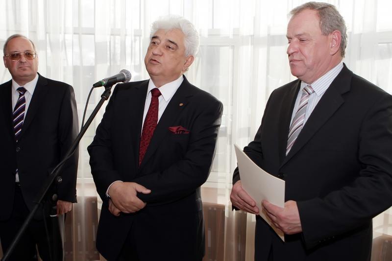Buvusio Rusijos konsulo išlydėtuvėse nestigo emocijų ir jaudulio