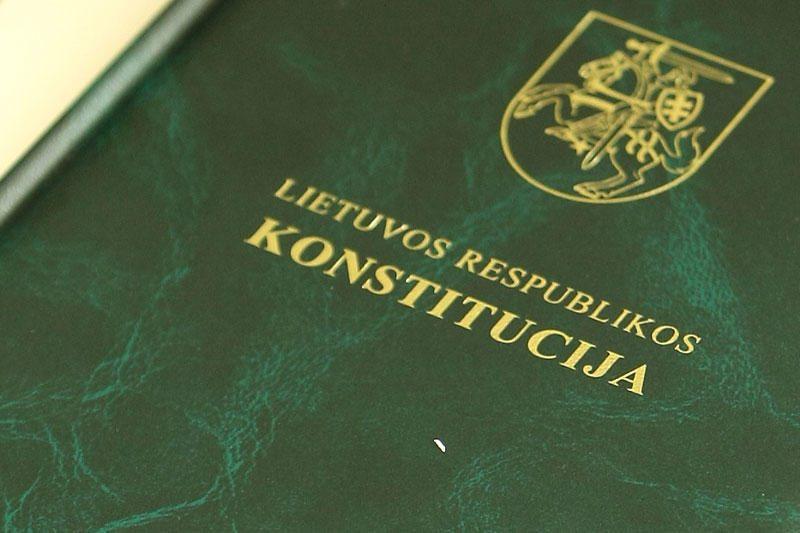 Seime nepakako balsų pakeisti Konstituciją