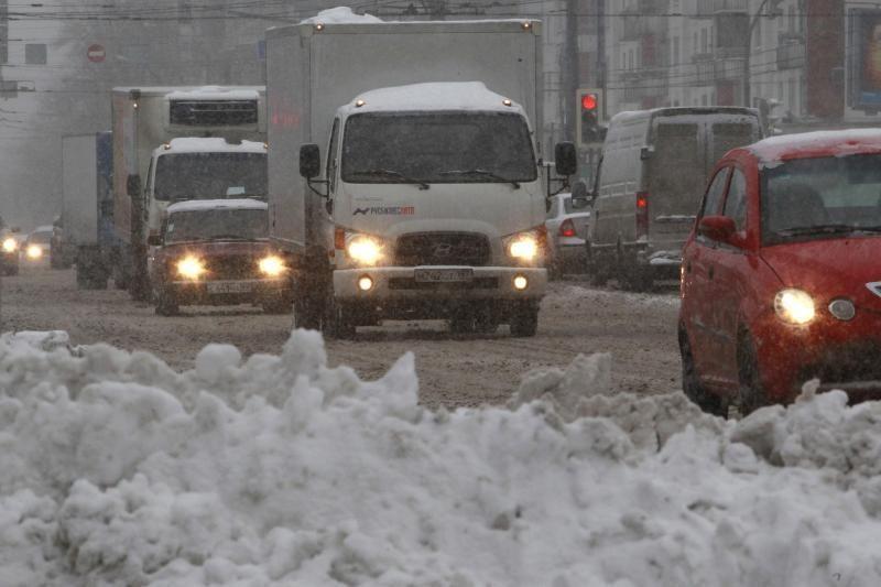 Sniegas Maskvoje vėl paralyžiavo miesto gyvenimą