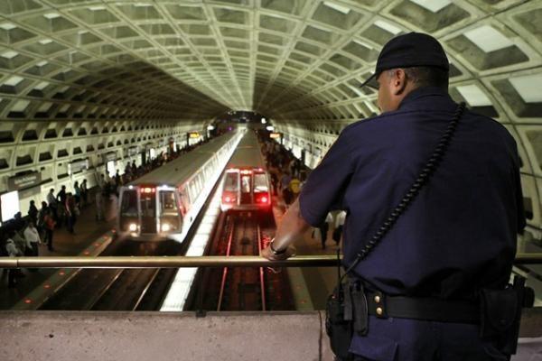 JAV suimtas asmuo galimai planavęs sprogdinimus Vašingtono metro (atnaujinta)