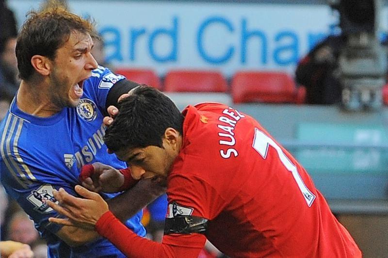 """Rekordinis """"Arsenal"""" pasiūlymas už skandalingąjį L. Suarezą – atmestas"""