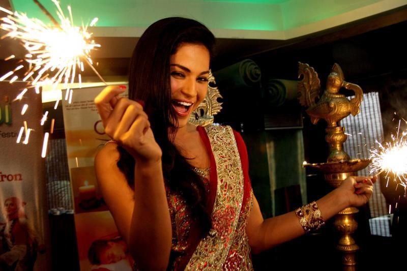 Apsinuoginusios aktorės nuotrauka sukėlė pasipiktinimą Pakistane