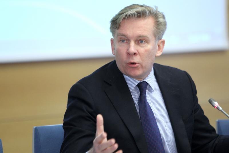 A.Ažubalis su J.McCainu aptarė NATO vadovų susitikimą Čikagoje