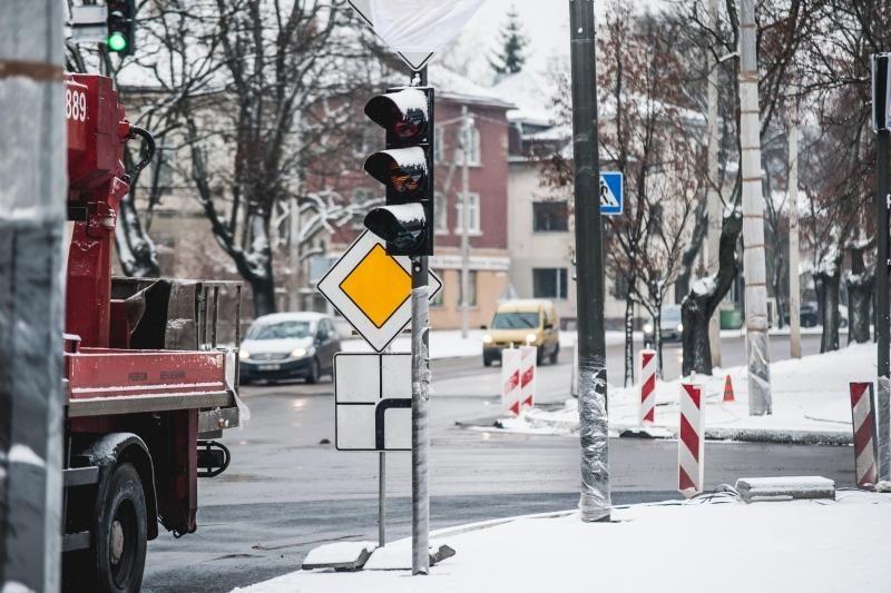 Kauno   vairuotojai keikia naujus šviesoforus