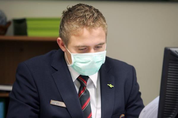 Nuo gripo epidemijos savivaldybė pasislėpė po kaukėmis