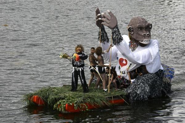 """""""Plaukimo bet kuo"""" čempionate nugalėjo King Kongas"""