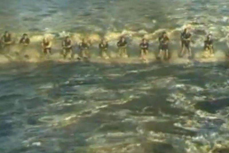 145 vandens slidininkai, tempiami vieno laivo, pasiekė rekordą