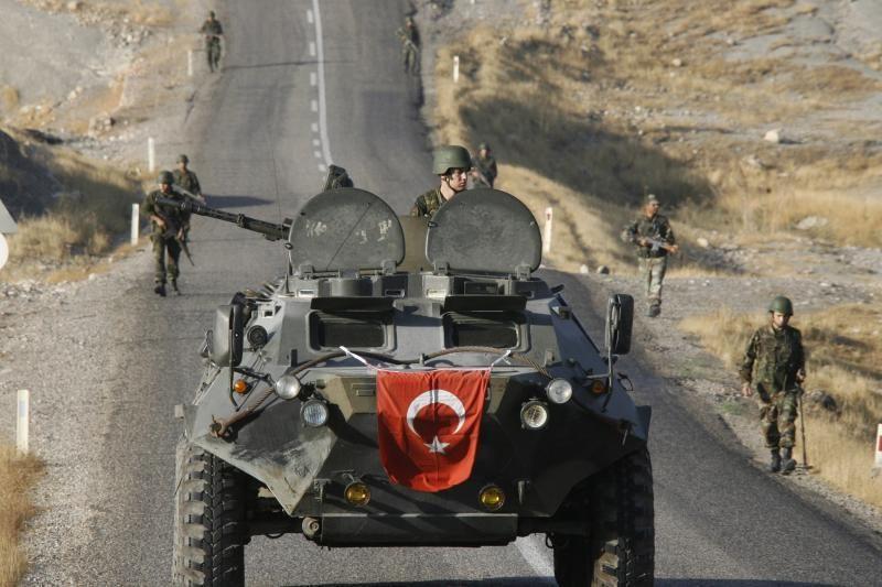 Turkija žada dėtis prie koalicijos prieš Siriją netgi be JT pritarimo