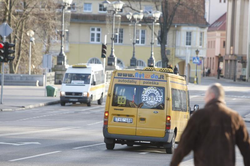 Kelionių mikroautobusais siūlys nebranginti
