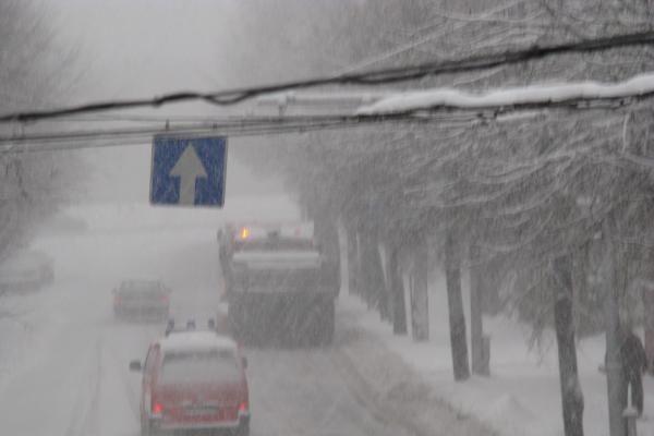 Balta žiema nuklojo miesto gatves