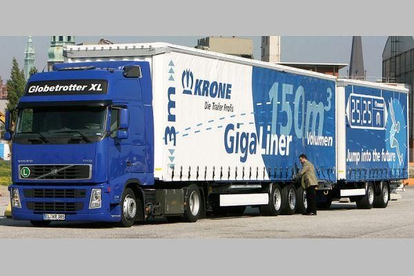 """Vokiečiai šalies keliuose nepageidauja """"sunkvežimių – monstrų"""""""