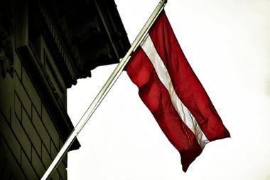 Rekordinį ekonomikos nuosmukį patyrusi Latvija renka naują parlamentą