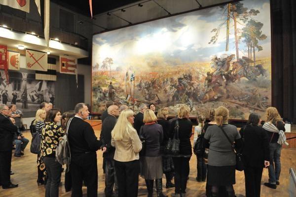 """""""Žalgirio mūšio"""" paveikslą jau apžiūrėjo per 5 tūkst. lankytojų"""