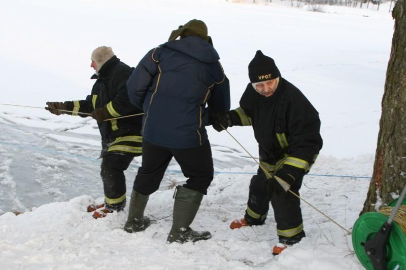Sinoptikai: nors lauke šalta, ledas dar plonas