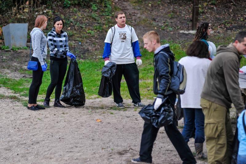 Kauno marių žvejus šeštadienį drausmino undinė