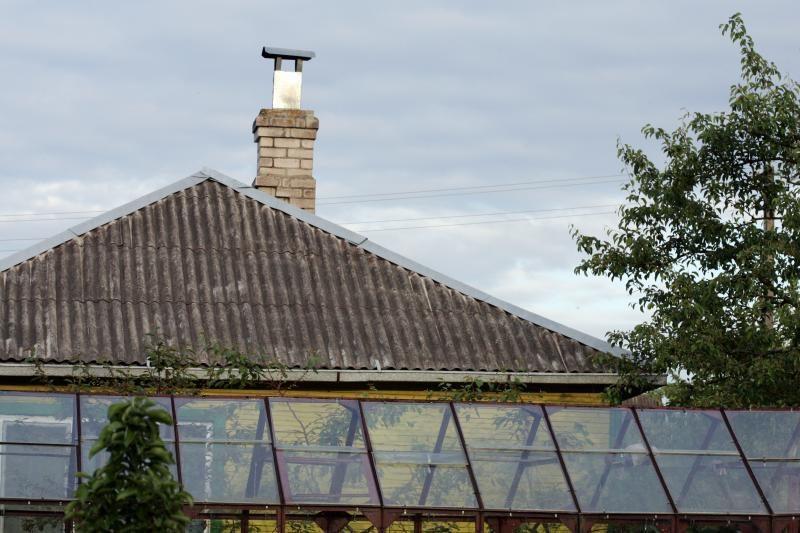 Asbesto stogai: kaimui nebereikia, miestui - teks palaukti