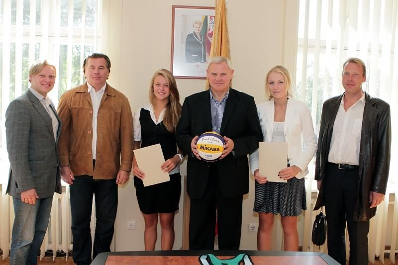 Paplūdimio tinklinio čempionėms – Klaipėdos mero pagarba