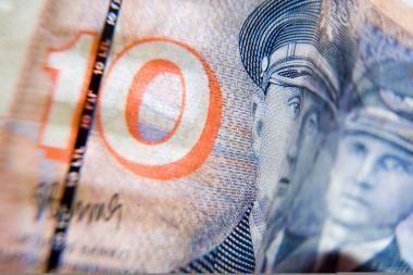 Slaugė savinosi prižiūrimo vyro pinigus