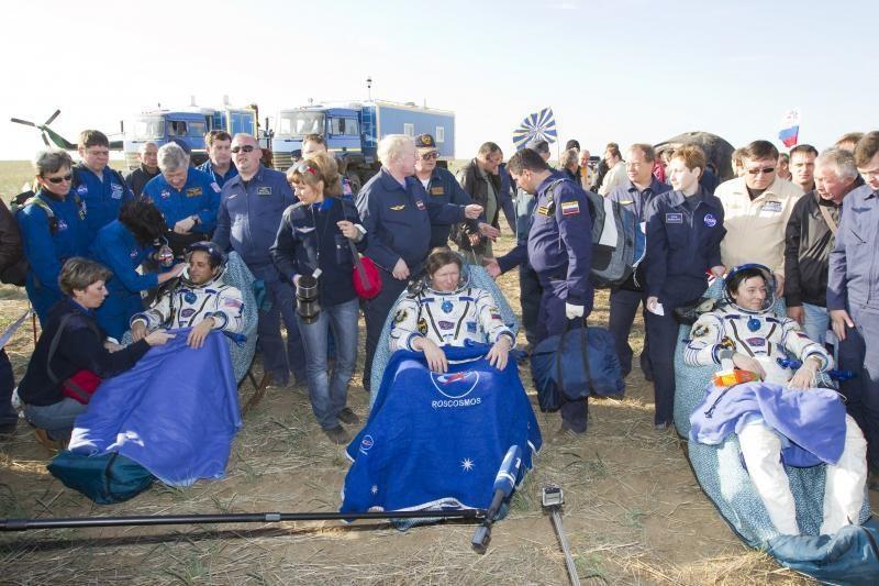 Tarptautinės kosminės stoties įgulos nariai saugiai grįžo į Žemę