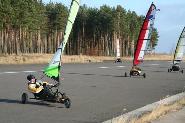 Vėjaračių čempionate buriuotojus lydėjo saulė ir vėjas