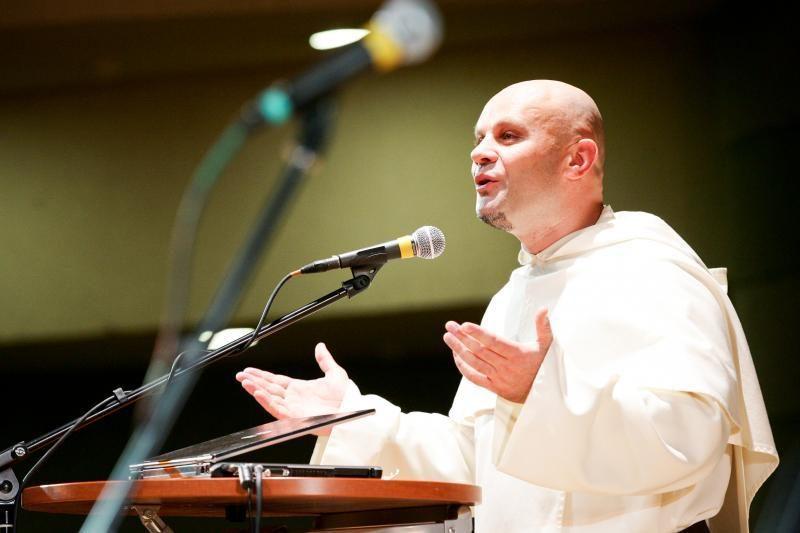 Brolis Pijus: žmonių minių bažnyčiose nebėra, bet daugiau sąmoningumo