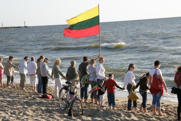 Baltijos kelio sukaktis paminėta ir pajūryje