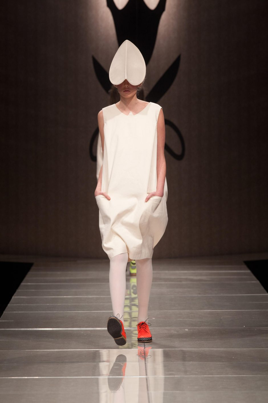 """Rudeninėje """"Mados infekcijoje"""" – konceptualus ir eksperimentinis menas"""