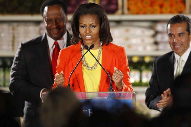 M.Obama parodė, kaip puikiai moka daryti atsispaudimus