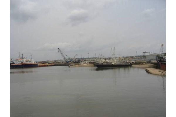 Pagrobtasis lietuvių kapitonas D.Baškirovas – Nigerijoje