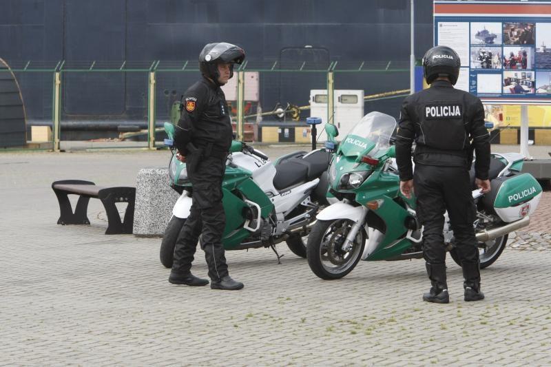 Į gatves išriedės keturi uniformuoti motociklininkai