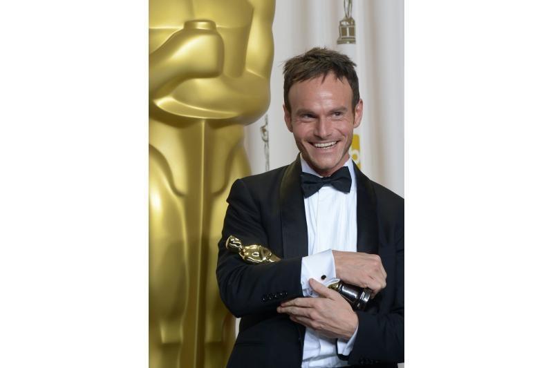 """""""Oskarų"""" dalybos: geriausiu metų filmu tapo B. Afflecko """"Argo"""""""