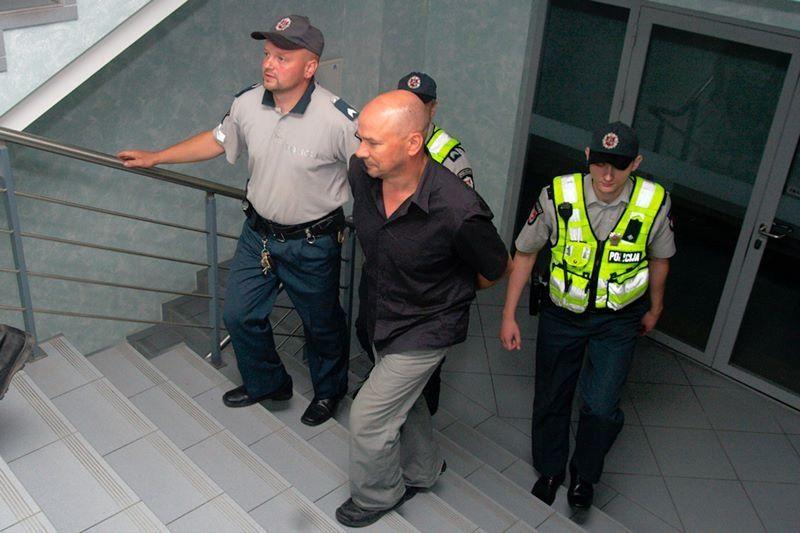 """Suimtas """"Swedbank"""" grasinęs susprogdinti vyras"""