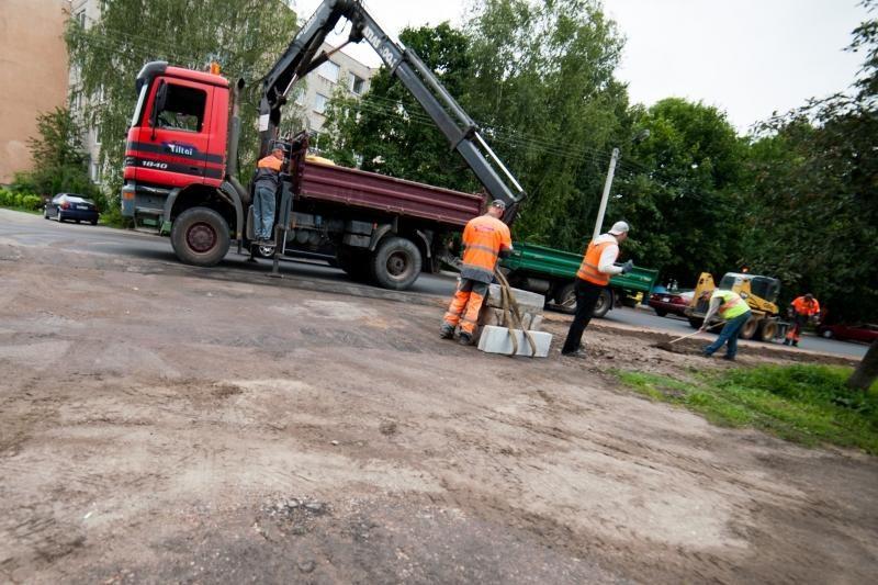 Radvilėnų plentas ir po remonto – tarsi kaimo kelias