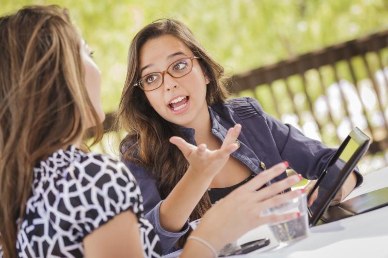 Kodėl kalbėdami mes     gestikuliuojame?